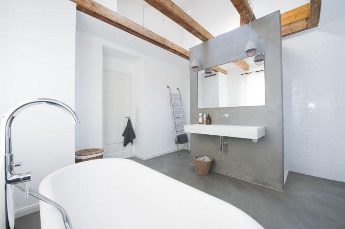 Fugenloses Bad in Mannheim
