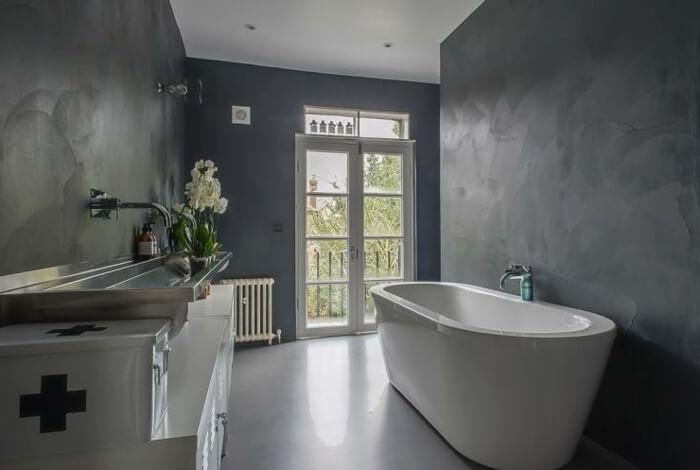 Fugenloses Bad im Raum Mannheim